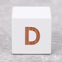 Würfel weiß mit Buchstabe - positive Gravur D