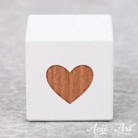 weißer Holzwürfel mit Gravur - Deko für das Kinderzimmer