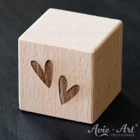 Holzwürfel Motiv Herzminis graviert