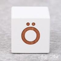 weißer Buchstabenwürfel - Buchstabe Ö