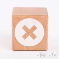 Holzwürfel mit einem Schweizer Kreuz weiße Farbe handbemalt
