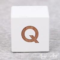 weißer Buchstabenwürfel - Buchstabe Q