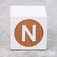 weißer Buchstabenwürfel - Buchstabe N