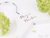 Kleiderbügel für die Hochzeit - Namen Braut & Bräutigam - Schreibschrift