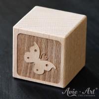 Holzwürfel Motiv graviert Schmetterling