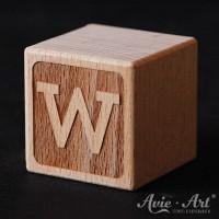 Holzwürfel graviert Buchstabe W
