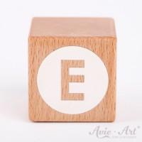 Holzwürfel Buchstaben weiße Farbe E negativ