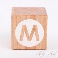 Holzwürfel Buchstaben weiße Farbe M negativ