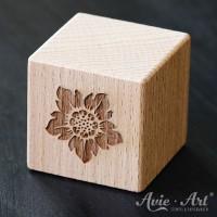 Holzwürfel Motiv graviert Sonnenblume