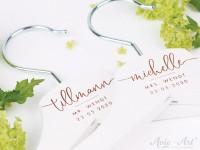 Kleiderbügel mit Namen und Datum - für Hochzeiten