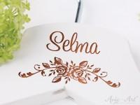 Kleiderbügel mit Namen - personalisierter Kleiderbügel zur Hochzeit für Blumenkinder