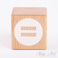 Holzwürfel mit Istgleich Zeichen weiße Farbe handbemalt