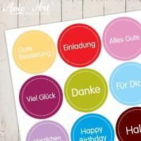 Bogen mit unterschiedlichen Stickern