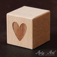 Holzwürfel Motiv Herz graviert